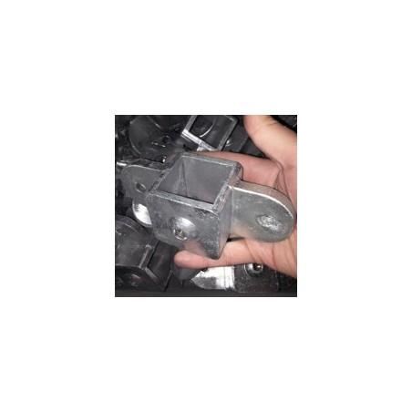 RC 7 VO 2 pattes 180° carré 40x40mm |  raccord permettant la fixation d'un panneau